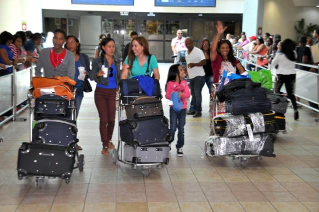 Aeropuerto Internacional de Las América, Hoy / Francisco Reyes / 17 / 12 / 2013 /